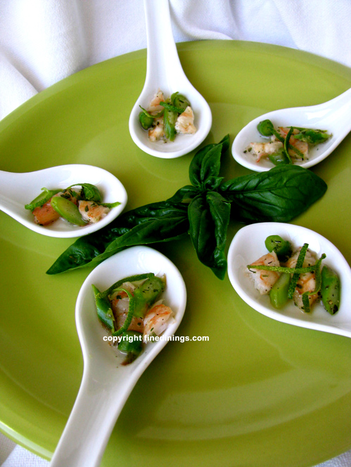 Amuse Bouche Shrimp Asparagus on Chinese Spoon - FineDinings.com