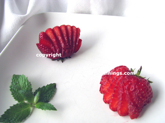 How to make fruit and vegetable garnishes - How to slice strawberries for decoration ...
