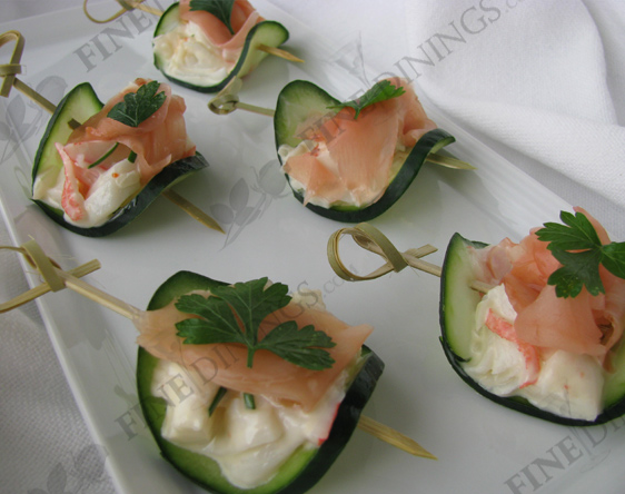 Cucumber slices topped with crab and pickled ginger(photographs)