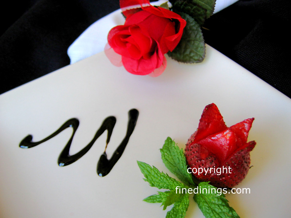 Strawberry flower garnish flowers ideas for review - How to slice strawberries for decoration ...