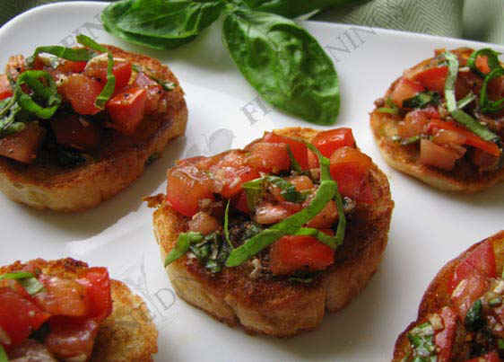 Crostini appetizers canapes gourmet appetizer for Gourmet canape ideas